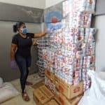 La candidata Leyvi Bautista prepara donaciones para SDO