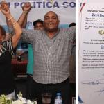 José Andújar y Felipa Gómez reciben sus certificados que lo acreditan como alcalde y vicealcaldesa de SDO