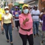 Ana María Peña día tras día recorre las calles de SDO para contrarrestar el coronavirus