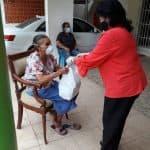 Regidora Jacobina Moreno visita a munícipes de SDO