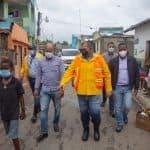 Alcaldía de SDN destinará 25 millones para soluciones en comunidades afectadas por Laura y declara estado de emergencia