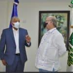Ex presidente Hipólito Mejía, visitó este lunes al director de la OMSA Radhamés González