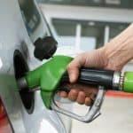 Gobierno baja precios de todos los combustibles