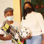 Leyvi Bautista entrega juguetes al Hogar Familia Bethesda en ocasión del Día de Reyes