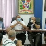 Alcalde José Andújar realiza reunió con empresarios de la Zona Industrial de Herrera