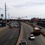 En pleno toque de queda, conductores transitan de reversa y en vía contraria en la autopista Duarte