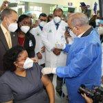 Hospital Marcelino inició hoy proceso de vacunación contra el Covid-19