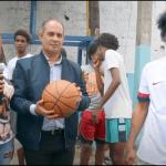 Comunitario José Moya entrega utensilios Deportivos a el Ministerio El Nuevo Padrino Y La Débora