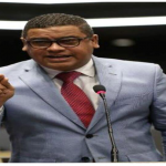 El diputado Tulio Jiménez califica al gobierno de indolente, perezoso y flojo, ante el incremento de precios de la canasta familiar y medicamentos.