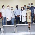 Directiva del Hospital Engombe reciben a presidentes de juntas de vecinos y líderes comunitarios de Bayona