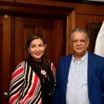 Félix Grullón administrador de INAVI recibe visita  Geanilda Vásquez, Ministra de la Presidencia.