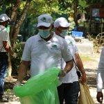 Colaboradores OMSA celebran Día Mundial de la Limpieza de Costas con jornada de recolección de desechos en playa Bayahíbe