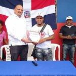Escuela de Vólibol El Faraón entrega reconocimiento al dirigente Amaury Peña